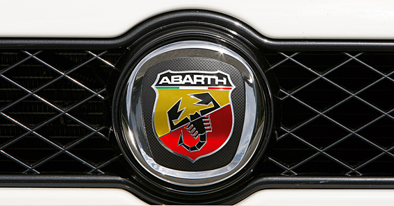 inauto concesionario abarth para canarias la revista digital del mundo del. Black Bedroom Furniture Sets. Home Design Ideas